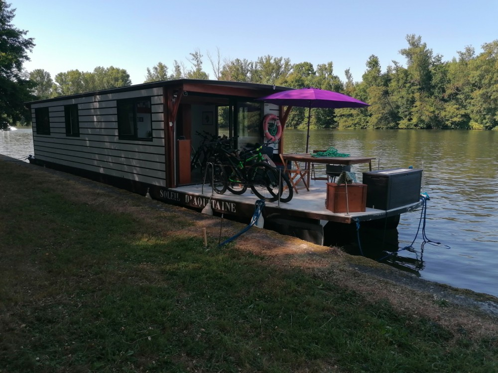 Boat rental Casseneuil cheap COCHE SOLAIRE