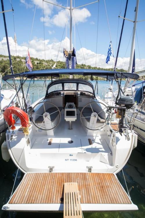 Boat rental Bavaria Bavaria 41 in Grad Pula on Samboat