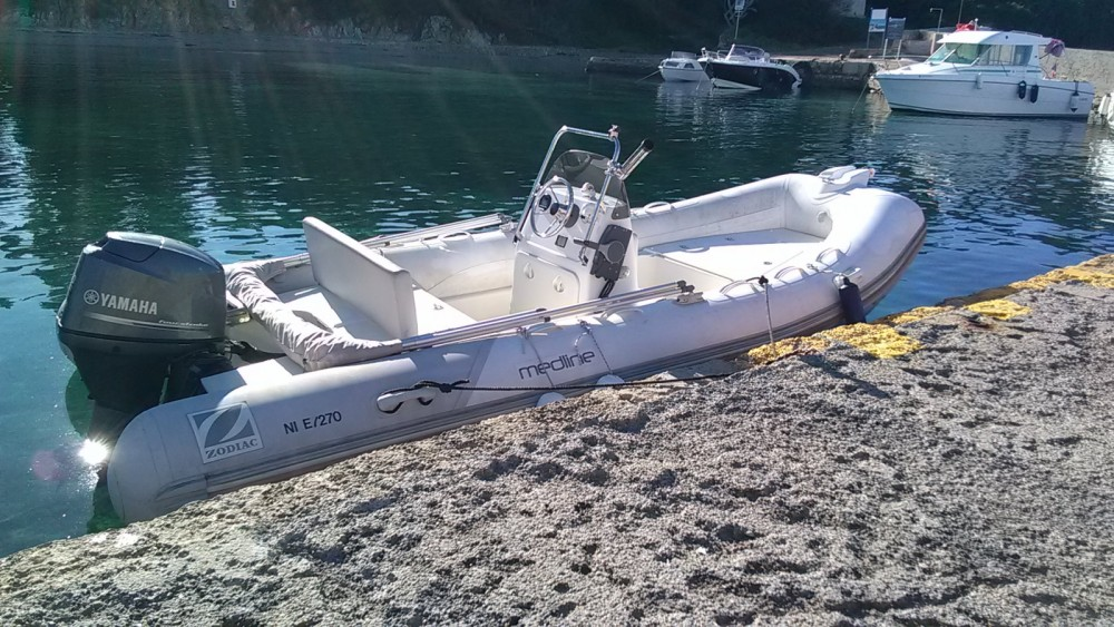 Zodiac Medline 500 between personal and professional Théoule-sur-Mer