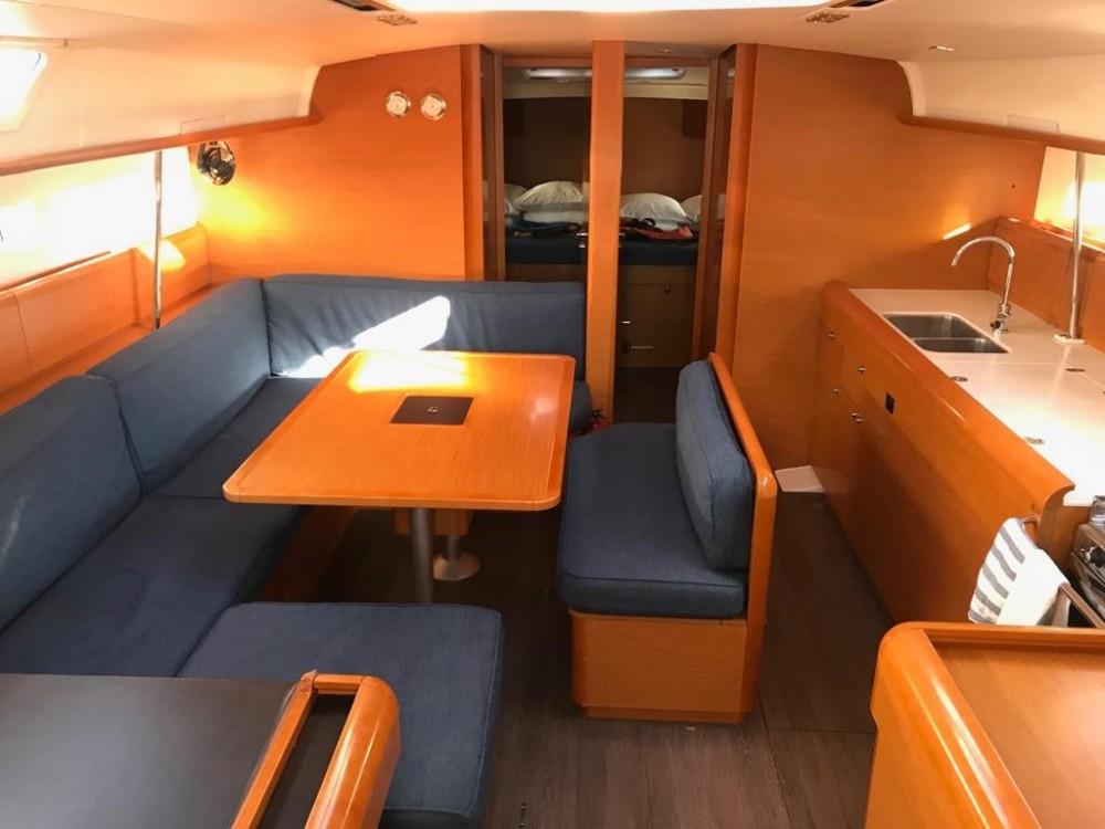 Boat rental Jeanneau Sun Odyssey 519 in Canary Islands on Samboat
