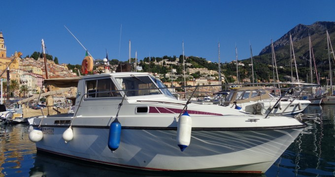 Hire Motorboat with or without skipper Bénéteau Menton