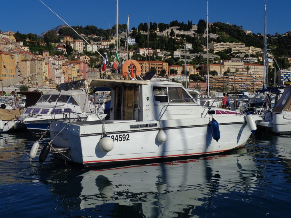 Motorboat for rent Menton at the best price