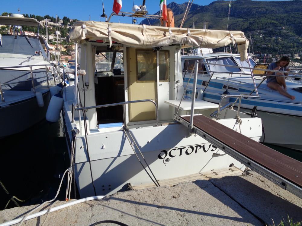 Rental Motorboat in Menton - Bénéteau ANTARES 800