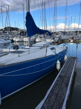 Boat rental Bénéteau First 260 Spirit in La Rochelle on Samboat