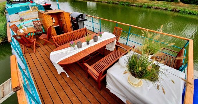 Boat rental Poseidon Bluewater 480 in Languimberg on Samboat