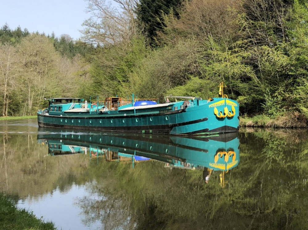 Rental Canal boat in Languimberg - Poseidon Bluewater 480