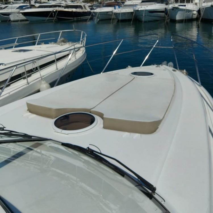 Boat rental Princess Princess V46/48 in Mandelieu-la-Napoule on Samboat