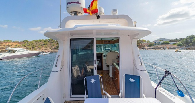 Rental Motorboat in Ibiza Island - Gulf Craft ambassador 32