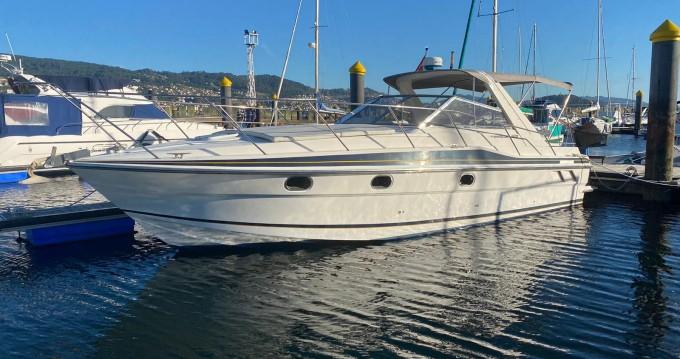 Rental Motorboat in Punta Umbría - Fairline Targa 33