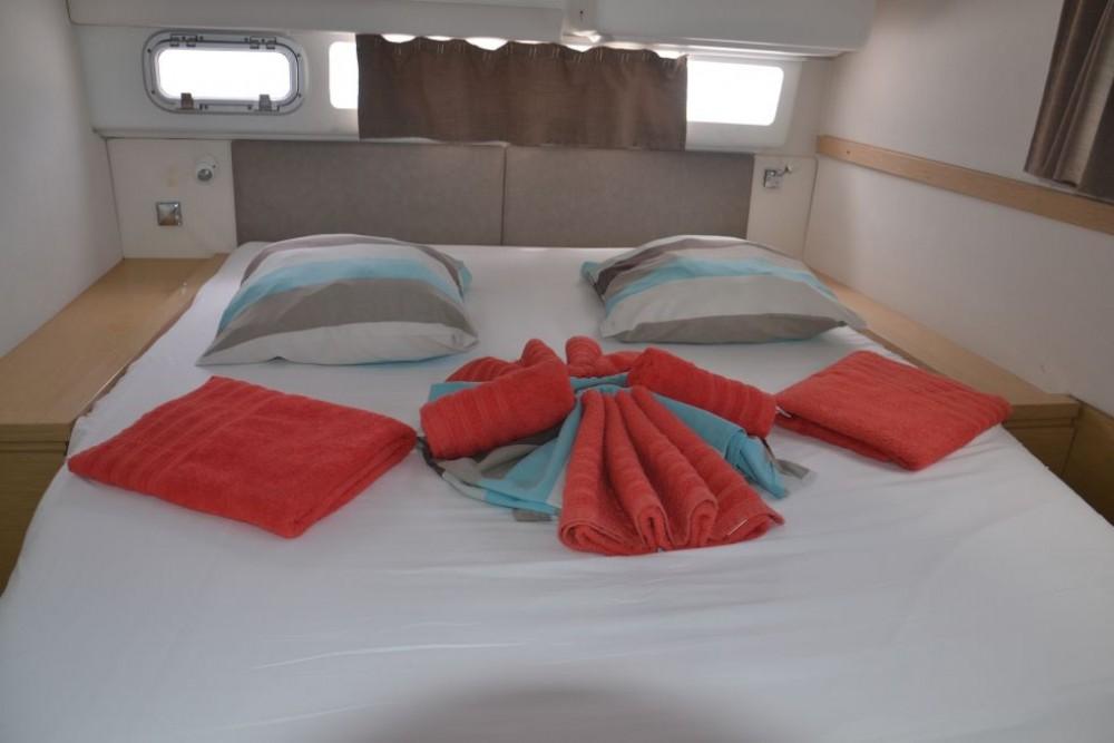 Catamaran for rent Saint-Mandrier-sur-Mer at the best price