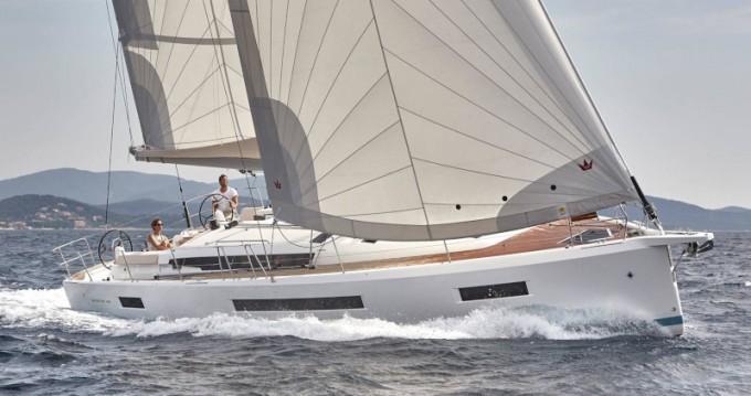 Boat rental Jeanneau Sun Odyssey 490 in Alimos on Samboat