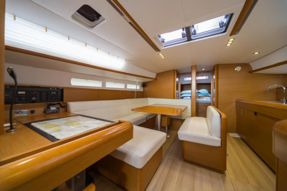 Jeanneau Sun Odyssey 509 between personal and professional La Spezia