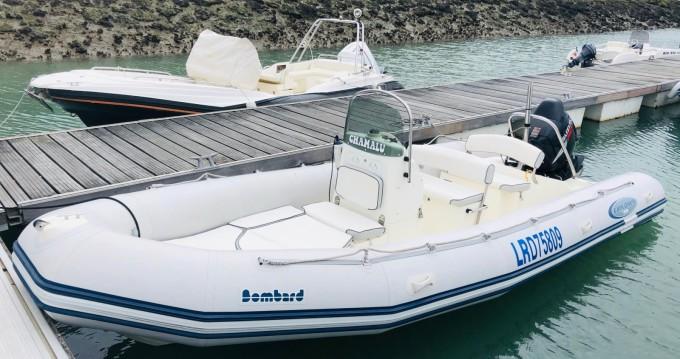 Boat rental Bombard Explorer SB 640 in La Rochelle on Samboat