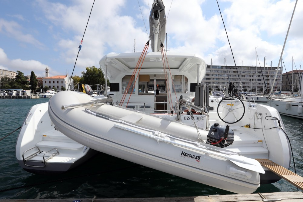 Hire Catamaran with or without skipper  Grad Pula