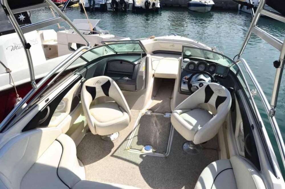 Rental yacht Albacete - Monterey 714 FS on SamBoat