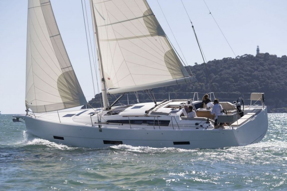 Rental Sailboat in Olbia - Dufour-Yacht Dufour 430