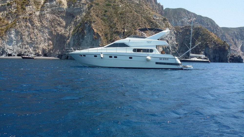 Rental Motor boat Alpa 52 with a permit