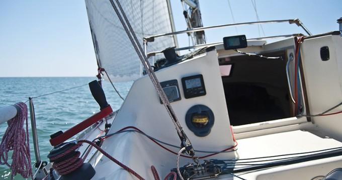Sailboat for rent Saint-Denis-d'Oléron at the best price