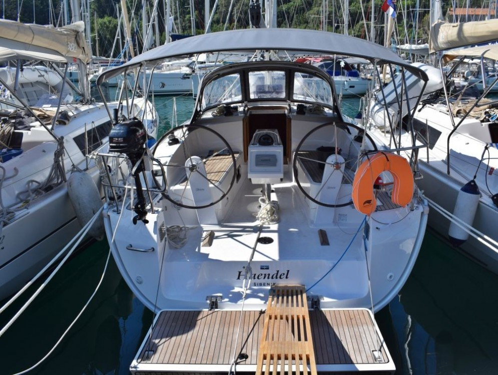 Hire Sailboat with or without skipper Bavaria Furnari