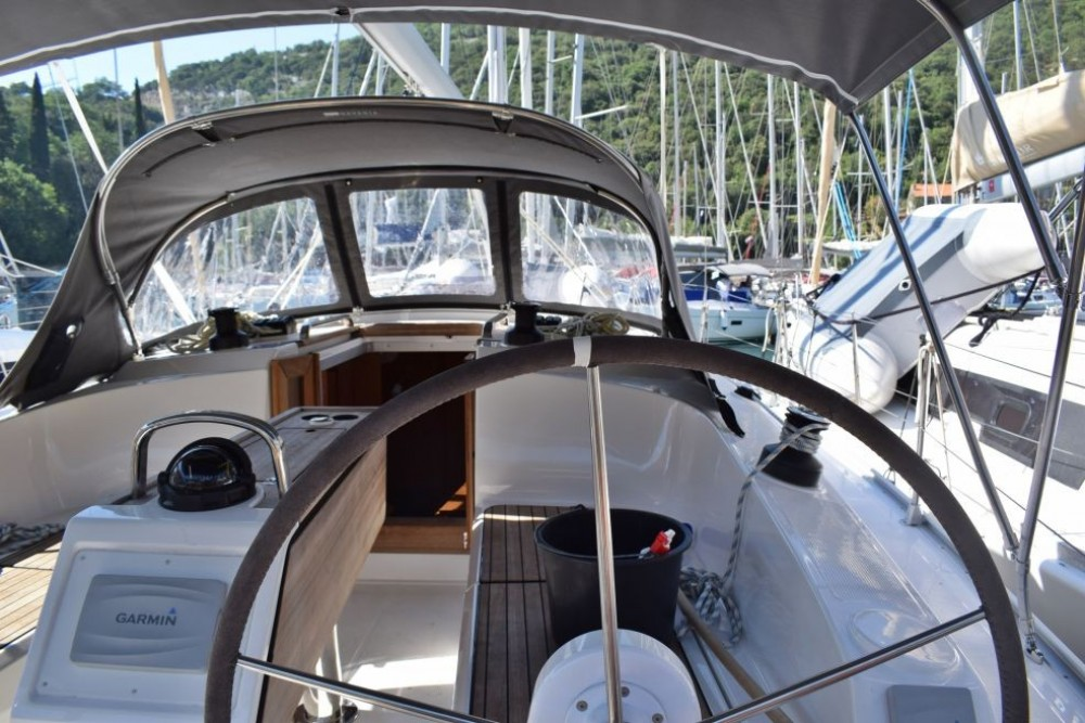 Rental yacht Furnari - Bavaria Bavaria 37 on SamBoat