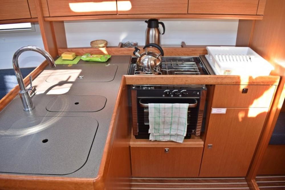 Boat rental Bavaria Bavaria 37 in Furnari on Samboat