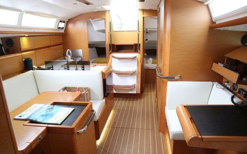 Hire Sailboat with or without skipper Jeanneau Key West