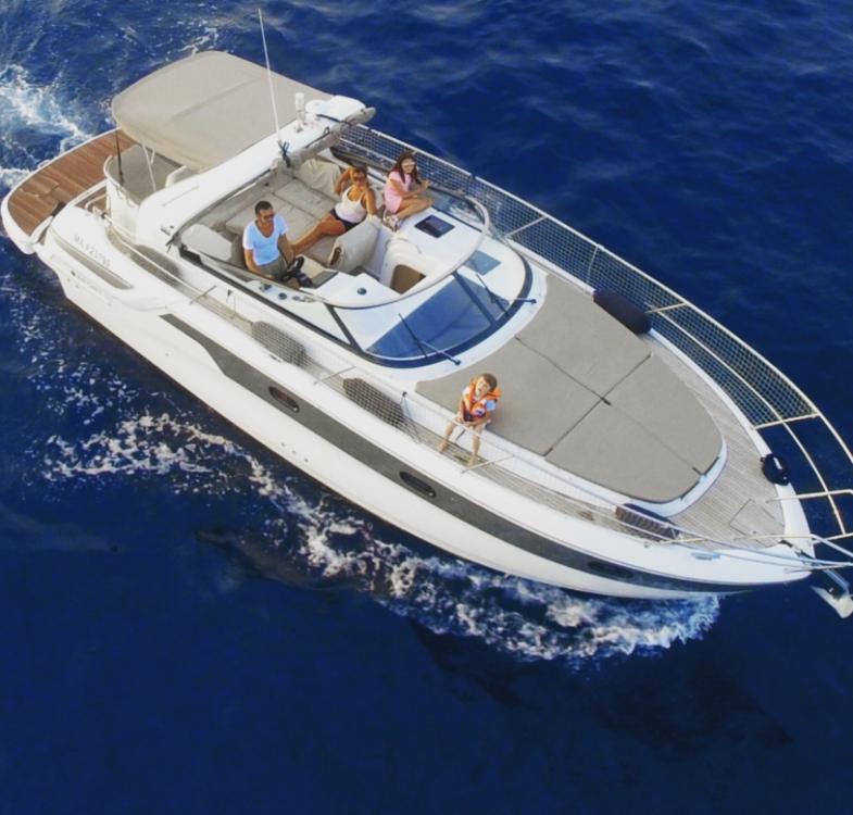 Boat rental Bavaria Bavaria 32 Sport HT in Marseille on Samboat