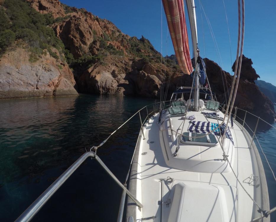 Boat rental Bénéteau oceanis 411 in Marseille on Samboat