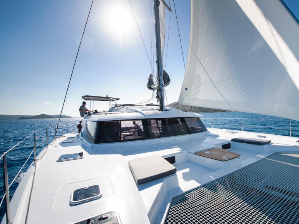 Rent a Fountaine Pajot Saba 50 Split