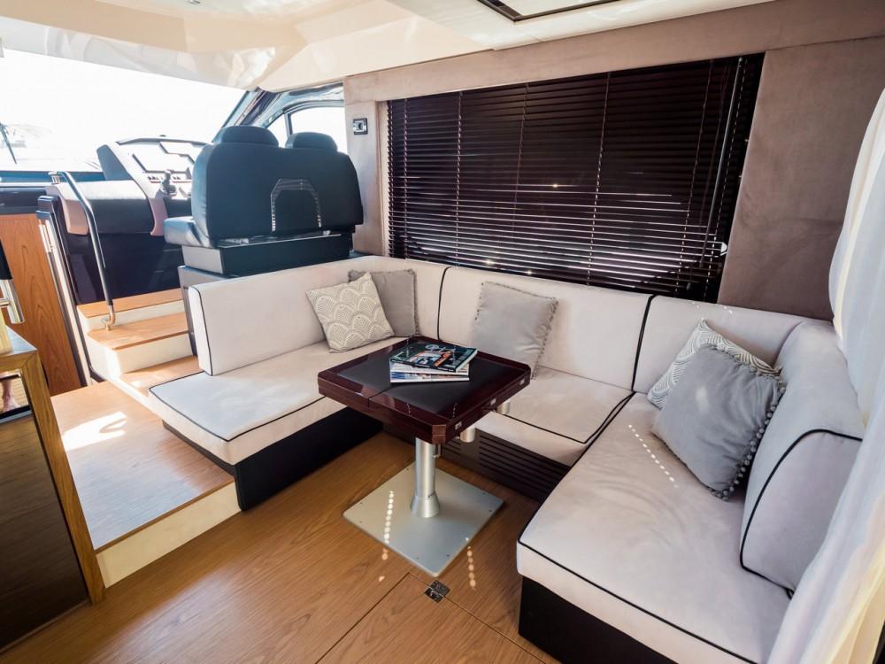 Rental Motorboat in Podstrana - Sessa Marine Sessa Fly 47