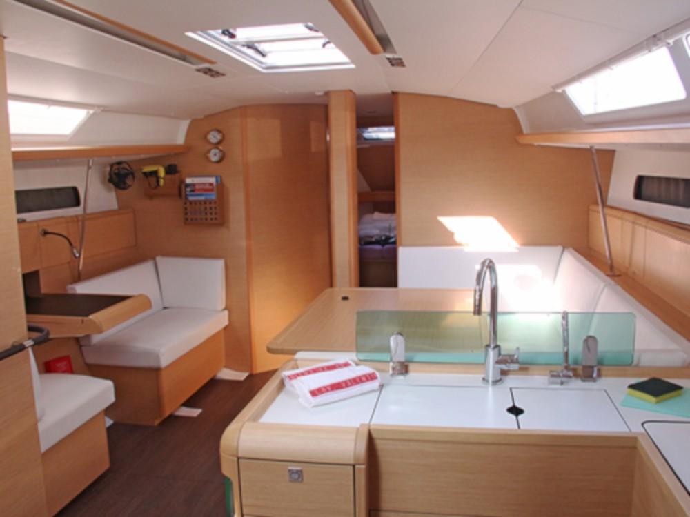 Rental yacht San Vincenzo - Jeanneau Sun Odyssey 449 on SamBoat