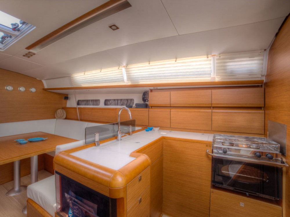 Jeanneau Sun Odyssey 439 between personal and professional San Vincenzo