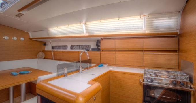 Boat rental Jeanneau Sun Odyssey 439 in San Vincenzo on Samboat