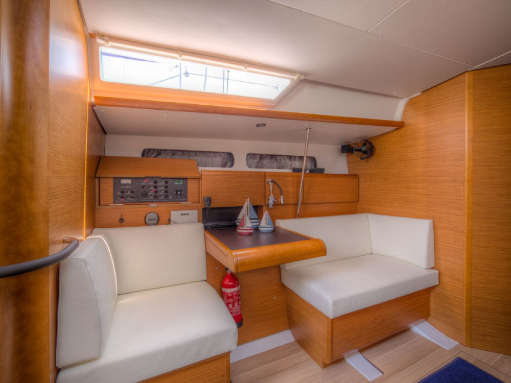 Sailboat for rent San Vincenzo at the best price