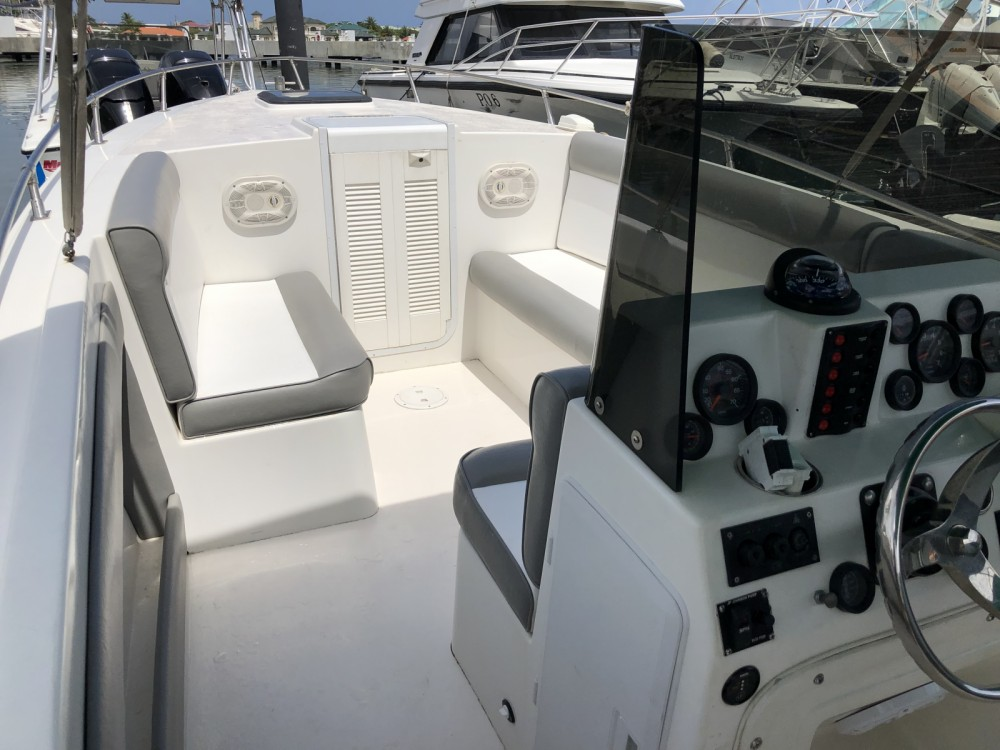 Motorboat for rent Rodney Bay at the best price
