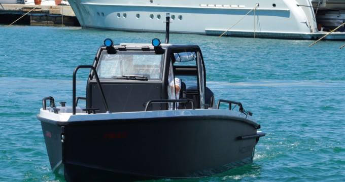Rent a Xo Boats XO DFNDR 250 Palma de Mallorca