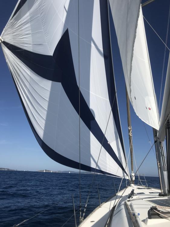 Rental Sailboat in Agde - Dufour Dufour 512 Grand Large