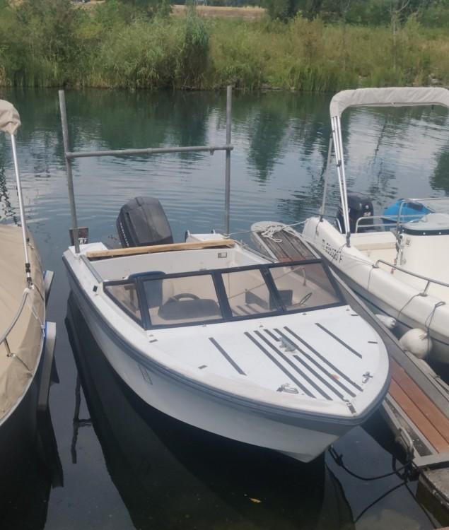 Boat rental Jeanneau Djerba 470 in Bourdeau on Samboat