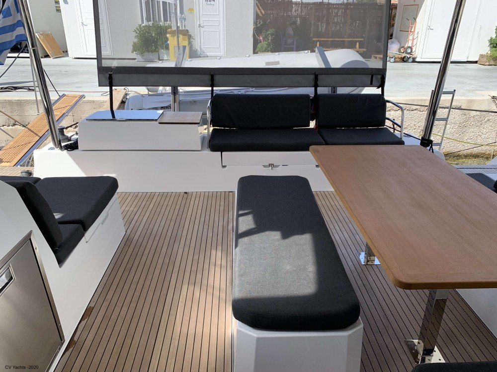 Boat rental Fountaine Pajot Elba 45 in Álimos on Samboat
