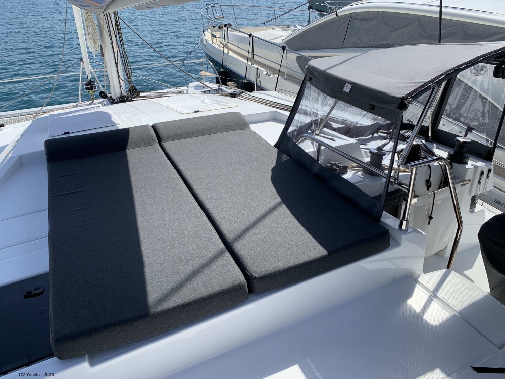 Rent a Fountaine Pajot Elba 45 Álimos