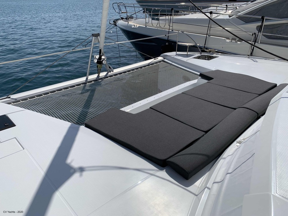 Hire Catamaran with or without skipper Fountaine Pajot Álimos