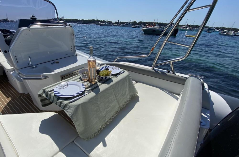 Boat rental Salpa Gran Soleil 23 in Monaco on Samboat