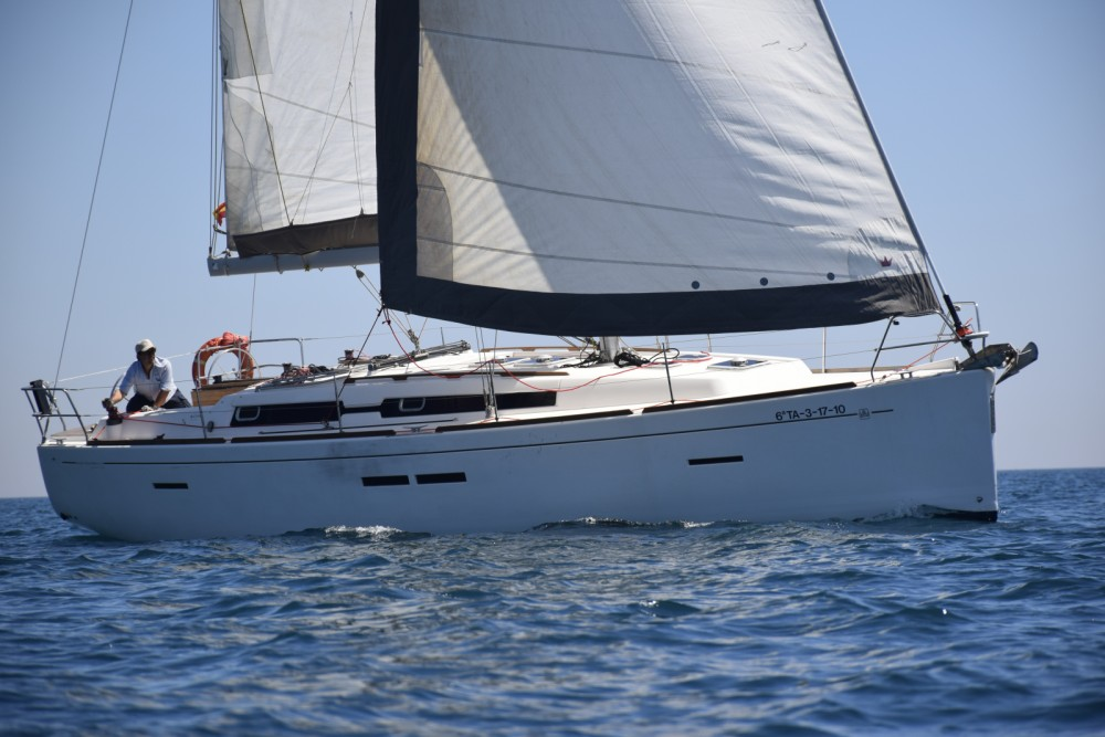 Rental Sailboat in Valencian Community - Dufour Dufour 405 Grand Large