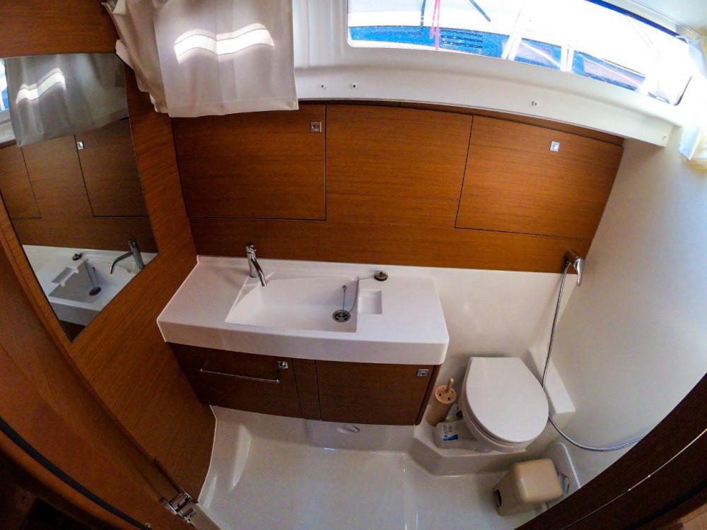 Boat rental Lefkada cheap Sun Odyssey 519 - 5 + 1 cab.