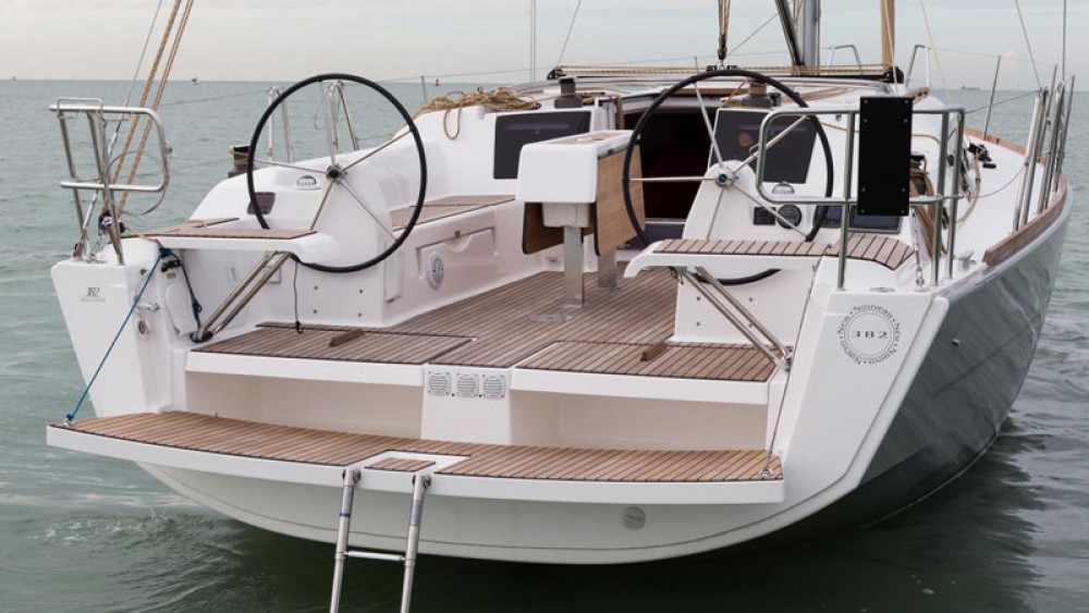 Dufour Dufour 382 Grand Large between personal and professional Saint-Mandrier-sur-Mer
