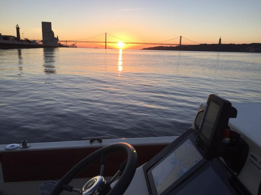 Rent a Marlin Boat Sport Open 22 Lisbon