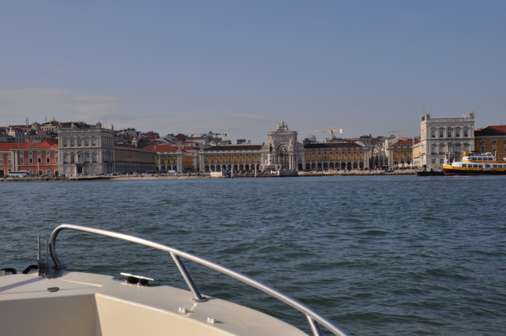 Hire Motorboat with or without skipper Marlin Boat Lisbon