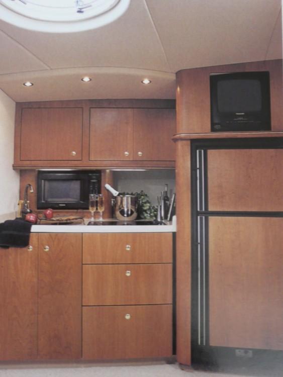 Boat rental cruiseryacht express 3875 in Sari-Solenzara on Samboat