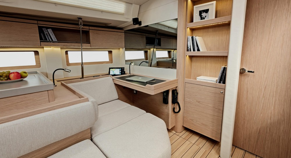 Sailboat for rent Grèce at the best price