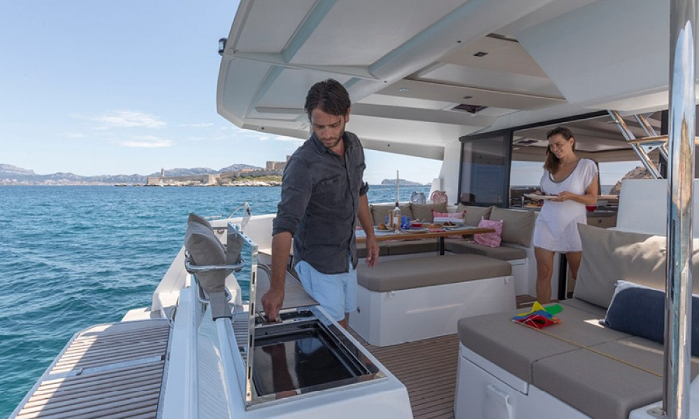 Rental Catamaran in Preveza - Fountaine Pajot Astrea 42